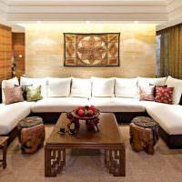 Большой диван П-образной конфигурации