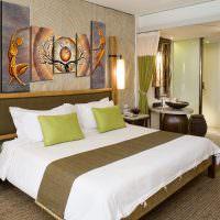Декор спальни модульными картинами