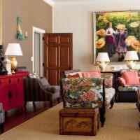 мягкая мебель с яркой обивкой