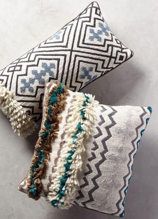 Две декоративные подушки для интерьера в скандинавском стиле