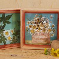 Картины из засушенных растений в деревянных рамках