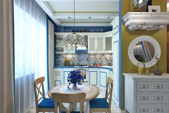 Дизайн небольшой кухни в средиземноморском стиле