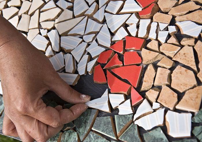 Мозаика из битой керамической плитки своими руками
