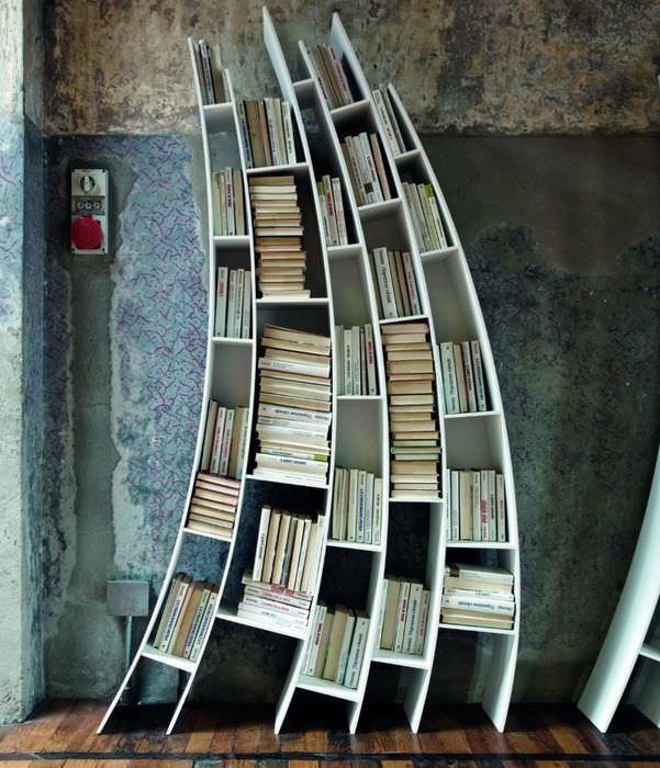 Нестандартный стеллаж для хранения книг
