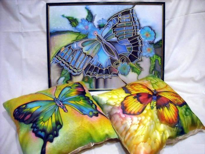 Красочные подушки в технике батик своими руками