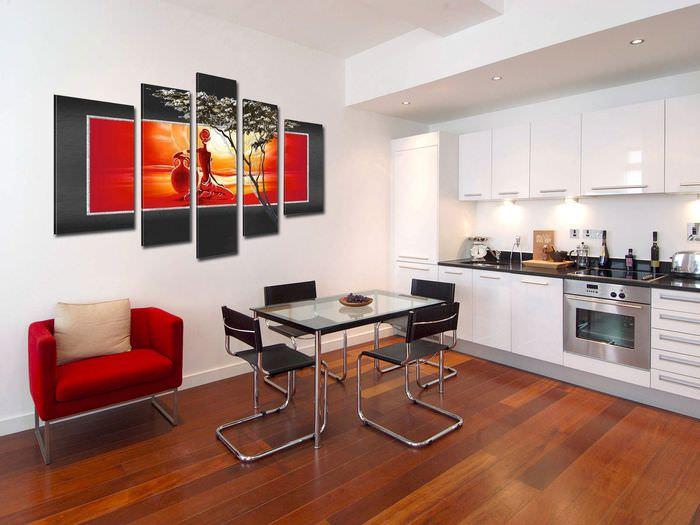 Стильные модульные картины в интерьере кухни