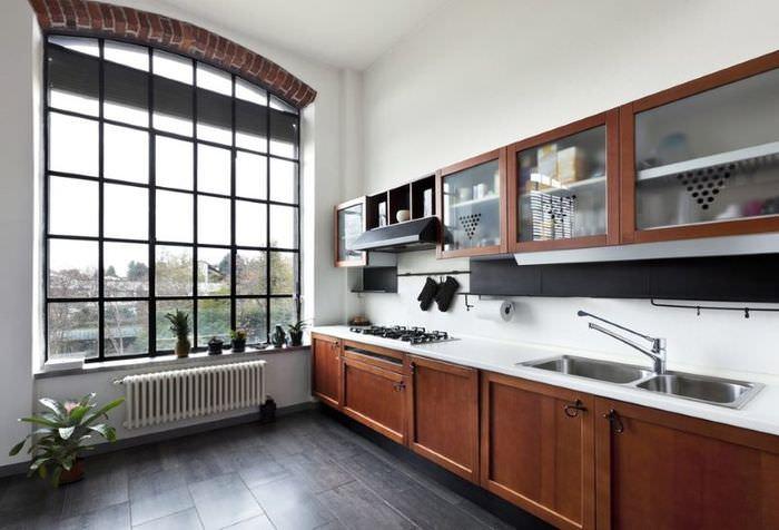 Интерьер красивой кухни линейной планировки