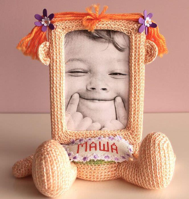 Вязаная фоторамка для дочки по имени Маша