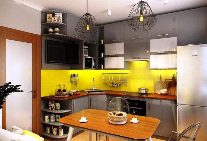 Кухонный фартук желтого цвета