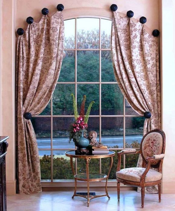 Подвеска штор на арочное окно без карниза