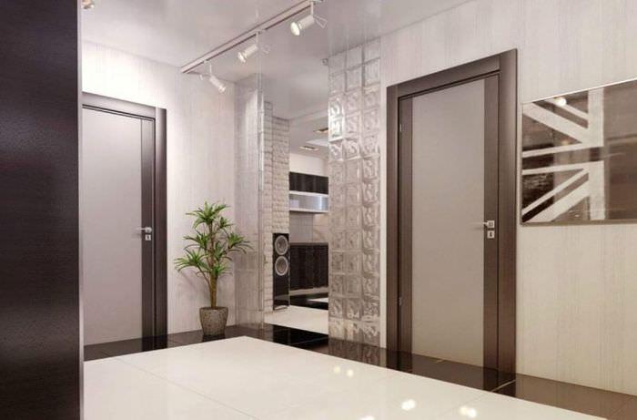 Интерьер современной прихожей в двухкомнатной квартире