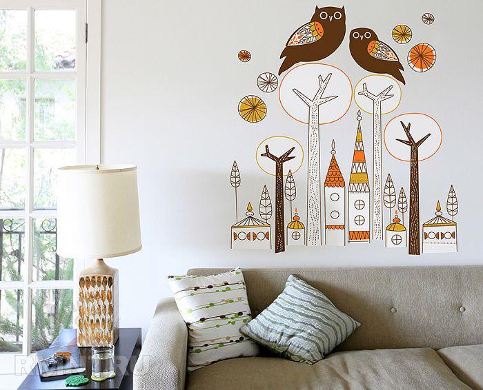 Украшение пустой стены с помощью рисунка
