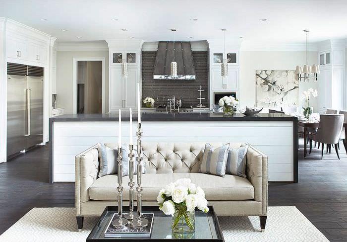 Кухня-гостиная в двухкомнатной квартире после перепланировки
