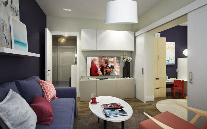 Зонирование общей гостиной сдвижной перегородкой