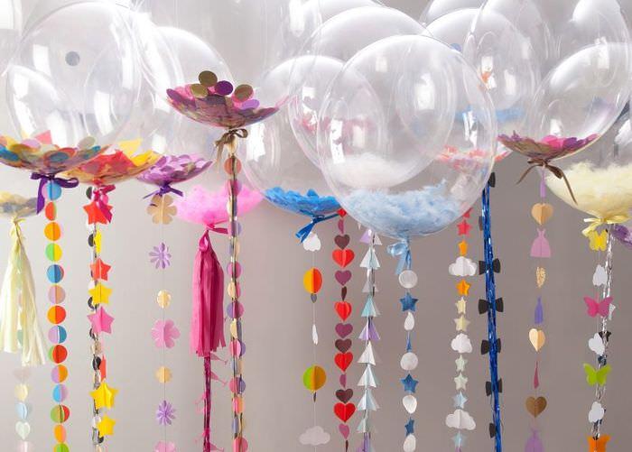 Декор интерьера гелиевыми шарами к празднику