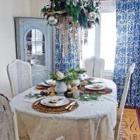 Сервировка стола на четыре персоны