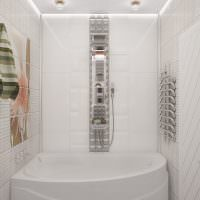 Компактная ванна белого цвета