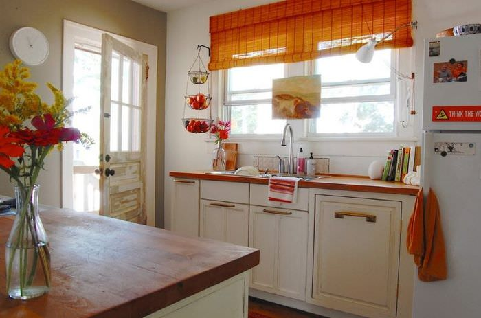 Декорирование современной кухни в частном доме