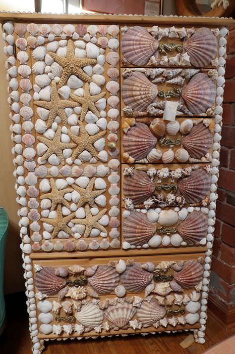 Декор советского шкафа ракушками своими руками