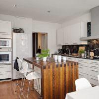 Кухонный стол из клееной древесины