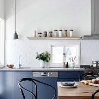 Оформление интерьера кухни без верхних шкафов