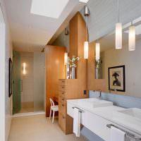 ванная комната с туалетным столиком