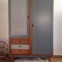 Покраска деревянного шкафа серой краской