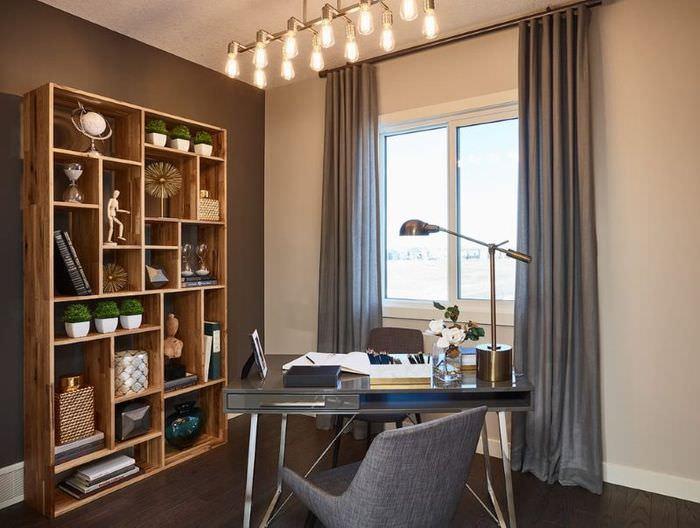 Дизайн домашнего кабинета с серыми шторами