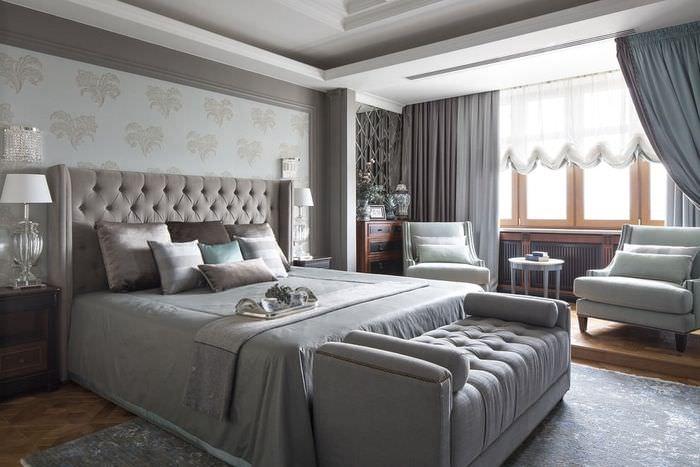 Интерьер современной спальни в серых тонах