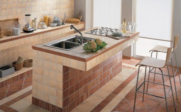 Кухонная столешница из плитки.