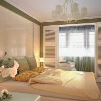 Шикарный дизайн спальни с балконом