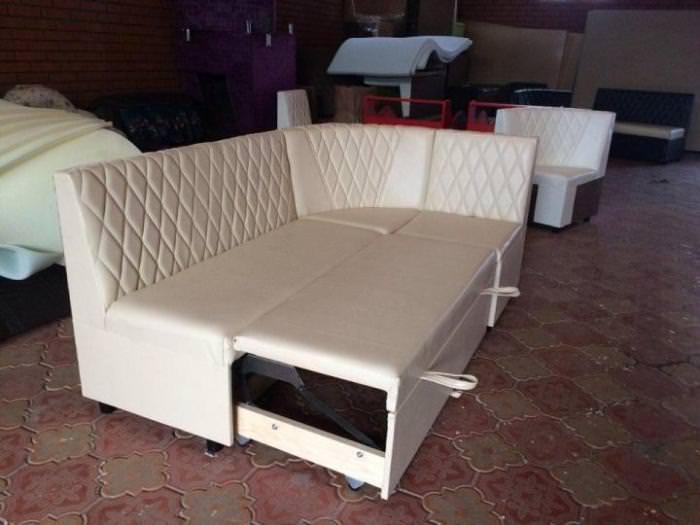 Кухонный спальный диван.