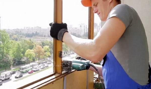 Замена старого балконного каркаса