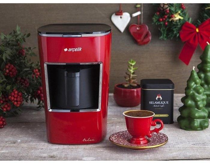 Красная кофемашина.