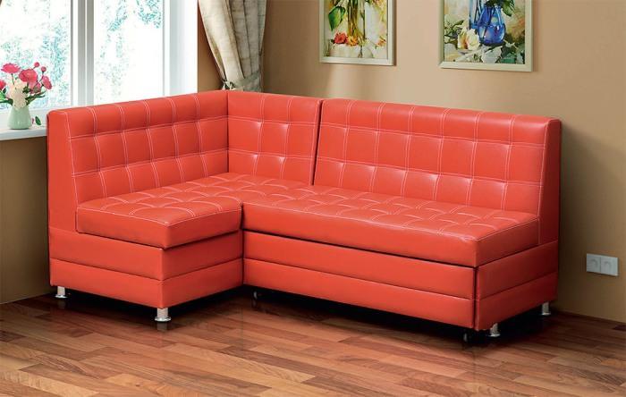 Классический угловой диван.