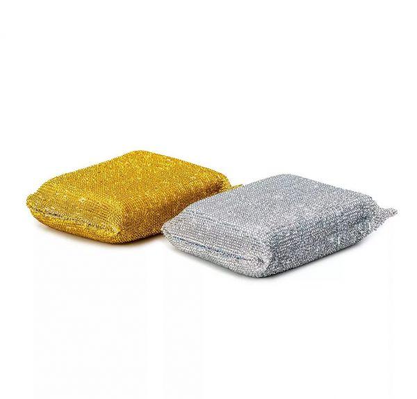 Не используйте металлические губки для очищения поверхности