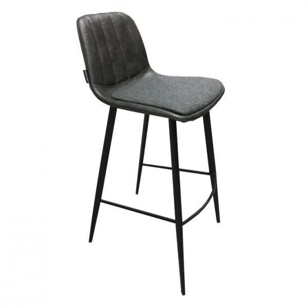 Полубарные стулья считаются наиболее удобными
