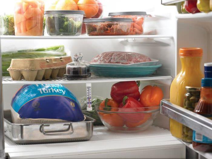 Поломка холодильника.