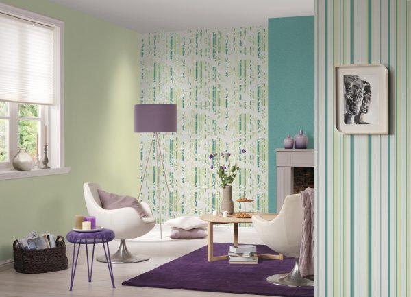 ринтованные полотна лучше нанести лишь на одну стену, а для остальных выбрать одноцветные виды. Принт может быть как из близлежащих цветов к однотонным обоям, так и из контрастных.