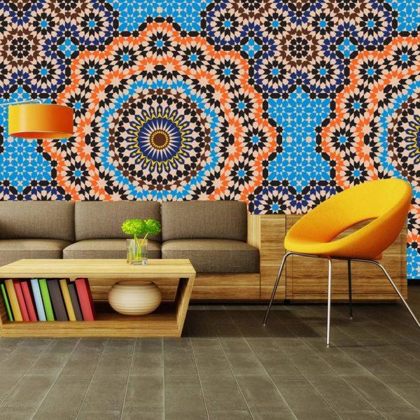 Для индийского стиля характерны виниловые фактурные полотна с тематическим орнаментом, а также стены, имитирующие дорогие ткани.