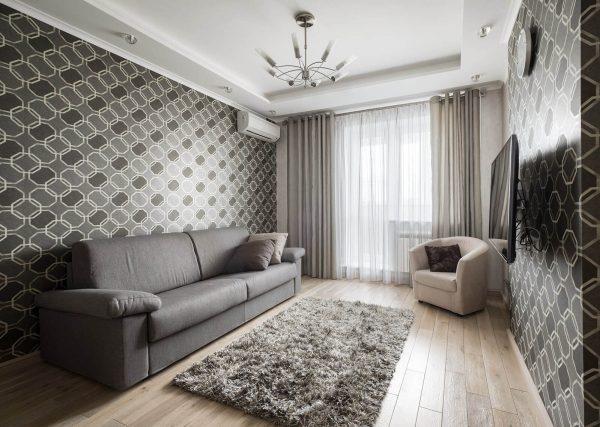 Если не можете определиться, подбирайте шторы под цвет дивана