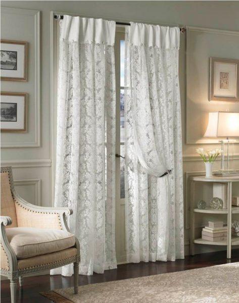 Данный тип часто используют для пошива прямых штор. В движении они бесшумны и удобны в использовании.