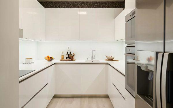 Белый цвет - беспроигрышное оформление кухни