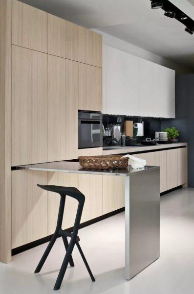 Многофункциональный шкаф - отличное решение для маленькой кухни