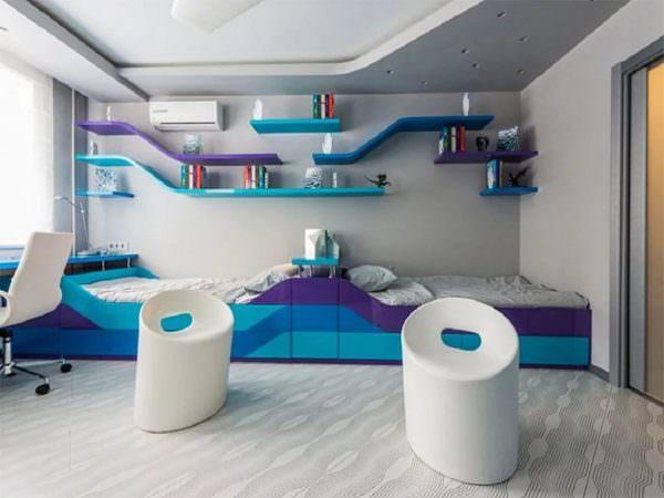 Такой дизайн характеризуется применением технологичных материалов, таких как металл, пластик.