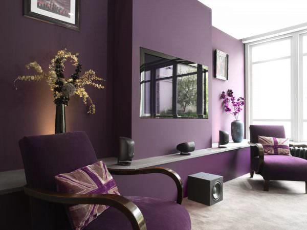 Цветовая гамма зависит от выбранного стиля, габаритов помещения и собственных предпочтений.