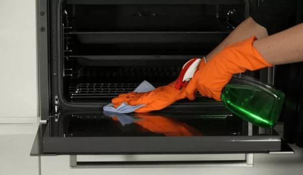 Прежде всего, поддерживать чистоту бытовой техники необходимо для того, чтобы срок ее эксплуатации был как можно больше.