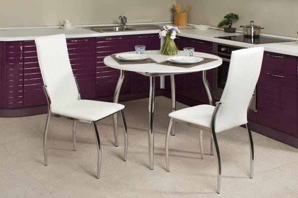 Подбирая обеденный стол, сразу думайте о том, где вы его разместите