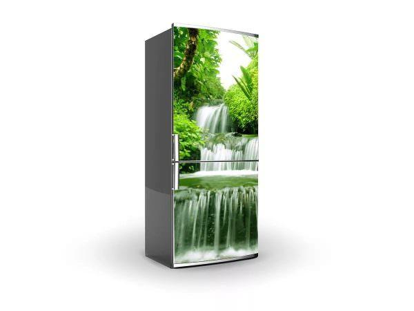 Один из распространенных способов обновить холодильник - декупаж.