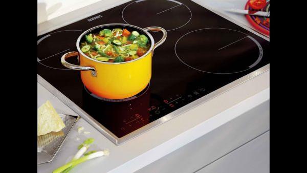 Чтобы понять, какая из них вам больше подходит, необходимо знать, чем отличается индукционная плита от керамической.